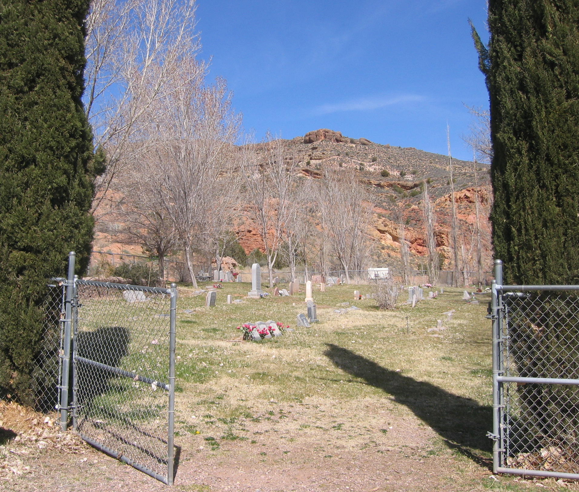 Main gate of the Gunlock Cemetery