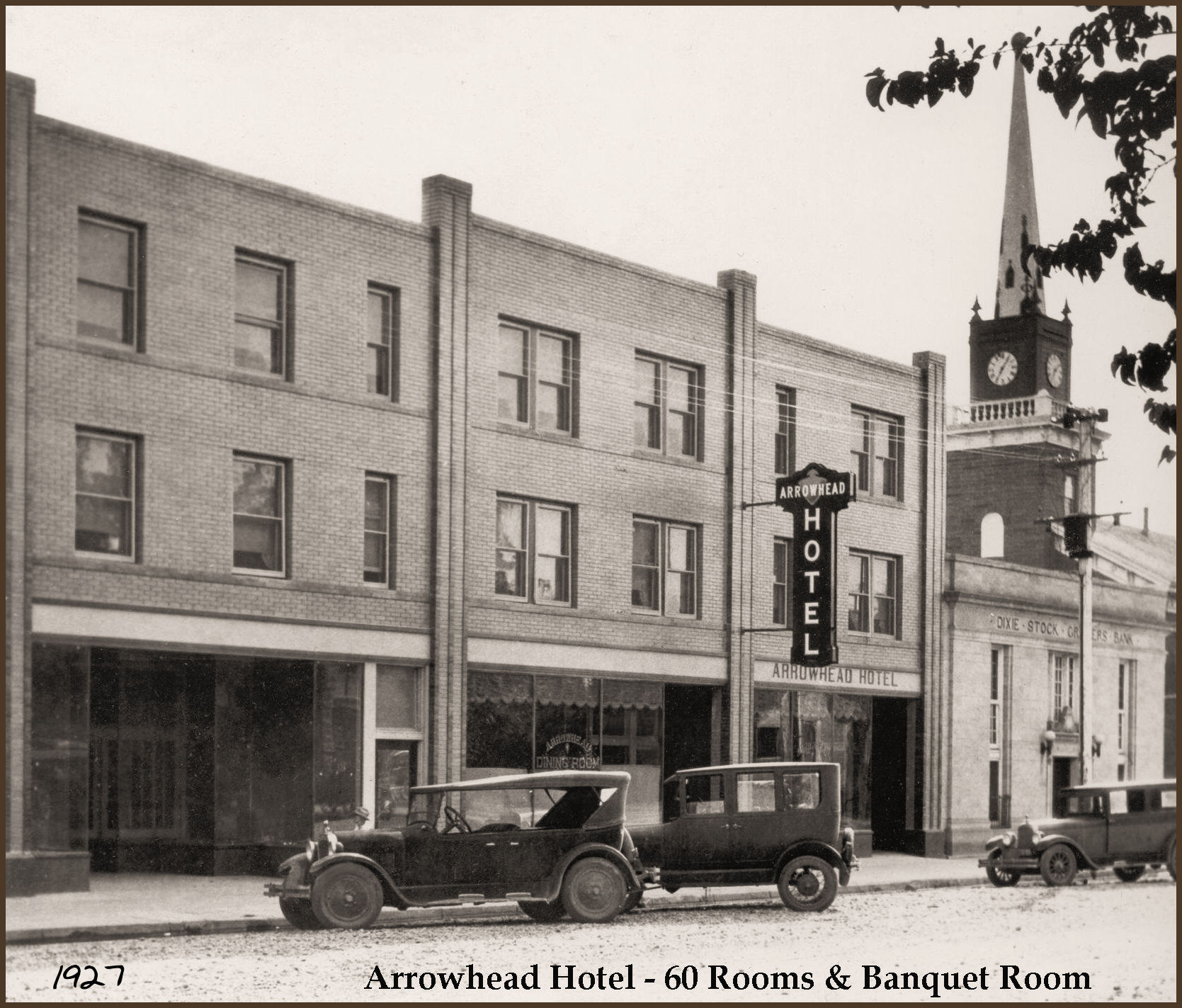 Arrowhead Hotel front on Tabernacle