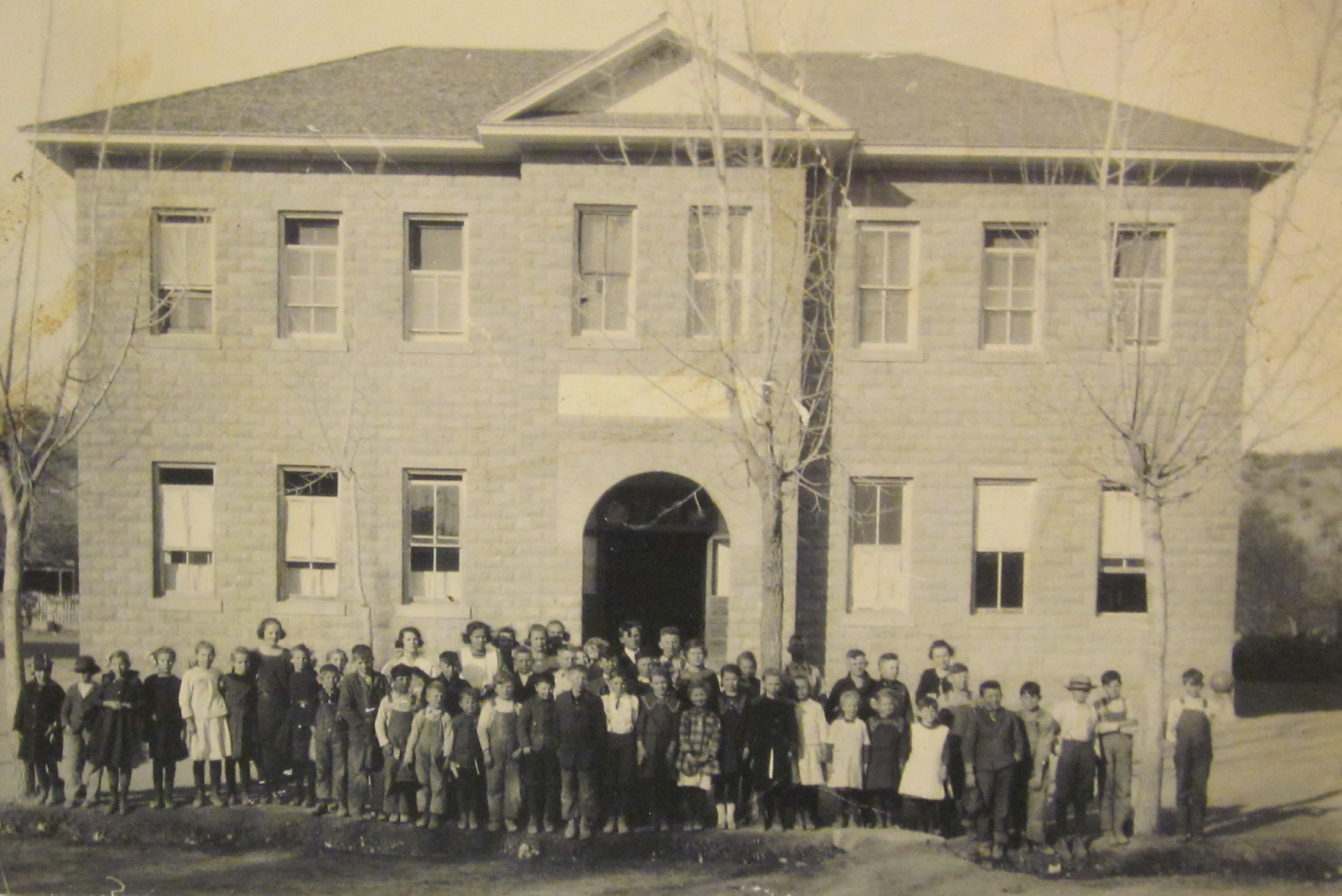 Old Santa Clara School with students out in front