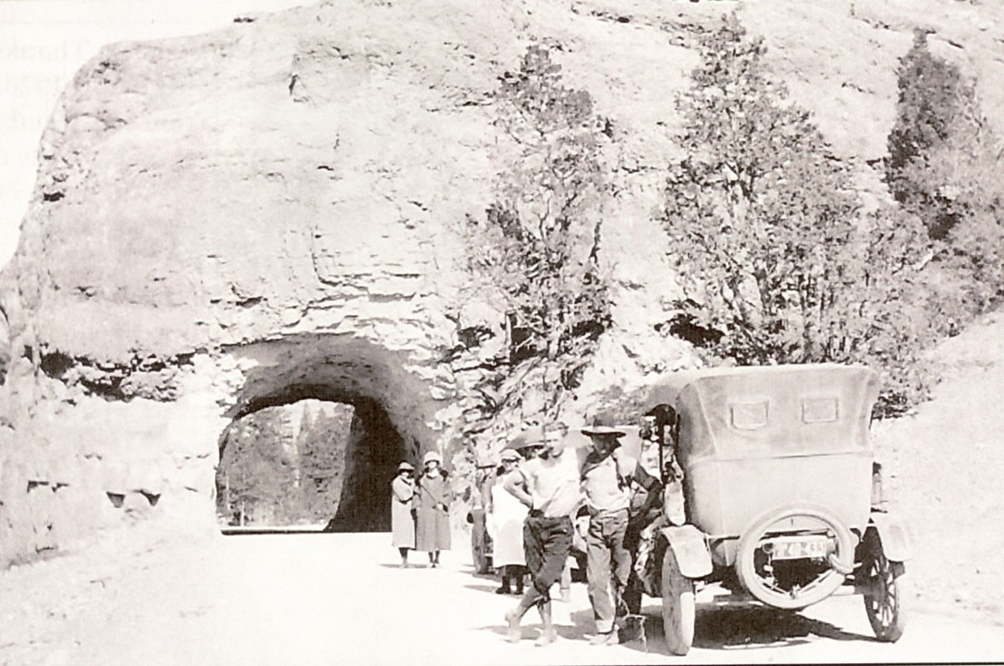 Early Zion Tunnel