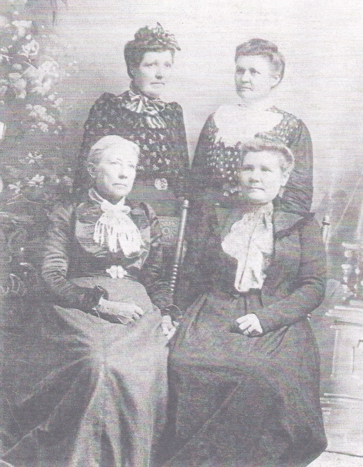 Gustava Lundstrom Capson and her three daughters